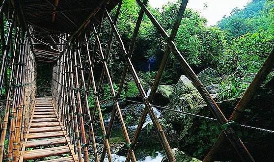 【清远】挑战4项世界吉尼斯纪录玻璃大峡谷2.0版、天王巨星、云天波霸两日游