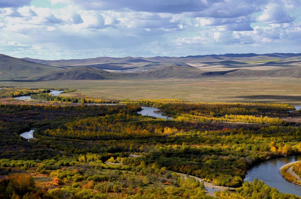呼伦贝尔大草原、额尔古纳湿地、边防卡线风光、蒙古人部落、中俄边境满洲里双飞5日 (赠送烤全羊大餐)