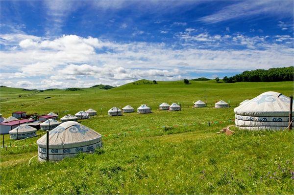 B25:【全家去赤峰&愉快又轻松】 格尔草原、玉龙沙湖、沙地云杉林、蒙古营地、克什克腾石阵、乌兰布统草原、热水温泉尊享五日游