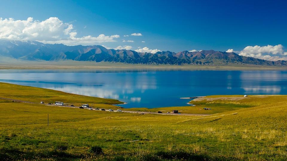 【自由行】新疆赛里木湖、薰衣草、喀拉峻、特克斯、巴音布鲁克、独库公路拼车六日游