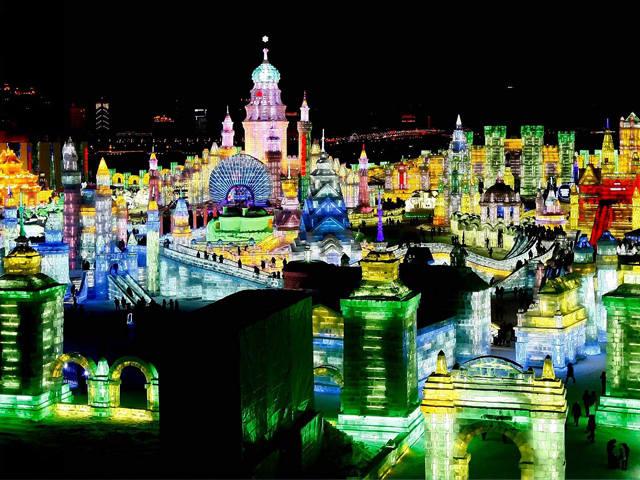 【雪乡情缘】冰城哈尔滨、激情亚布力滑雪、冰凌谷、泡寒地温泉、中国童话雪乡、篝火晚会双飞5日游