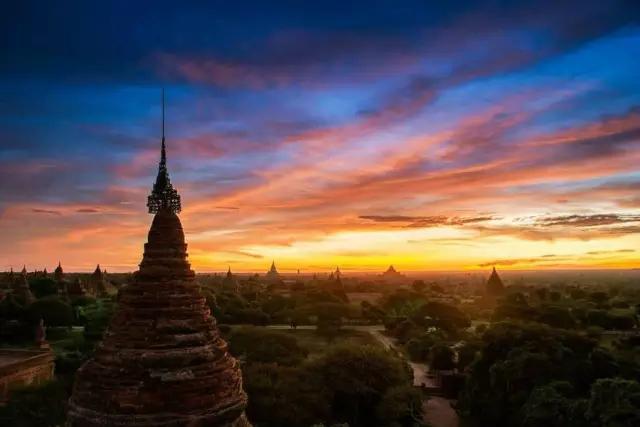 缅甸、曼德勒、蒲甘、敏贡六日游