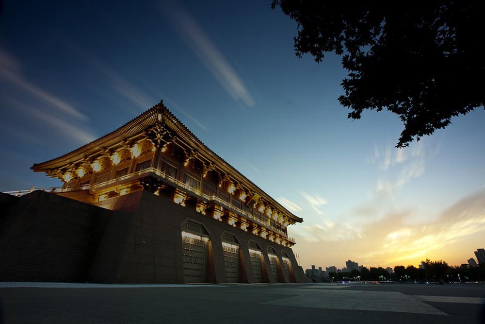 西安兵马俑、古城墙、大明宫遗址、白鹿原、青龙寺樱花节双飞四天