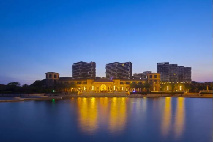 ¥399起抢惠东合正东部湾官方度假酒店超值度假套票,住豪华海景双床房,食两大一小早餐,畅玩醉美私家沙滩